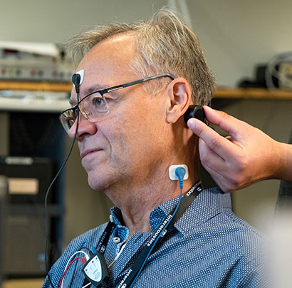 New Device Vibrates Skull to Diagnose Cause of Dizziness