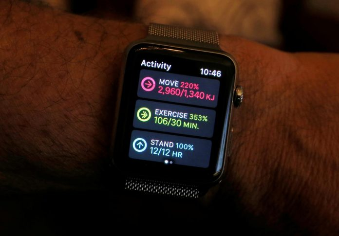 Doctors to monitor hip, knee surgery patients using Apple Watch