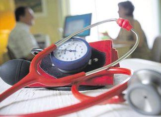 Les médecins libéraux sont-ils des salariés de la CPAM ?